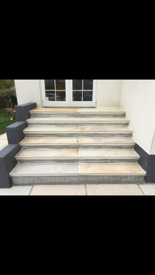 Fliser på trappe i Slagelse